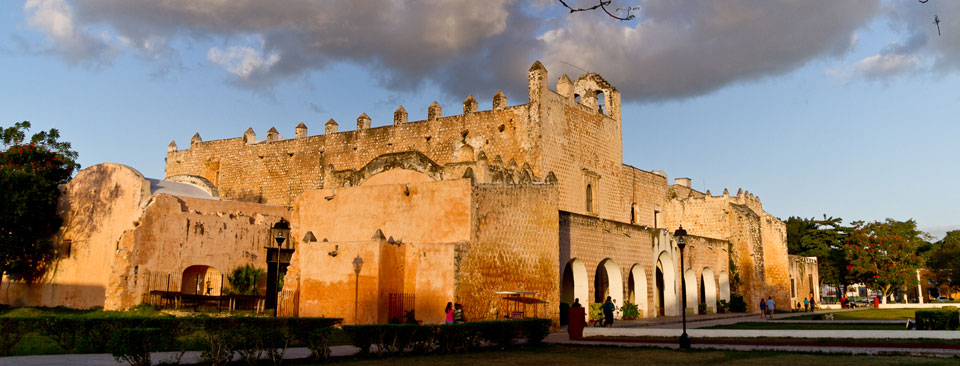 At Remixto, we create unique, immersive travel experiences that celebrate the beauty and history of the Yucatán.